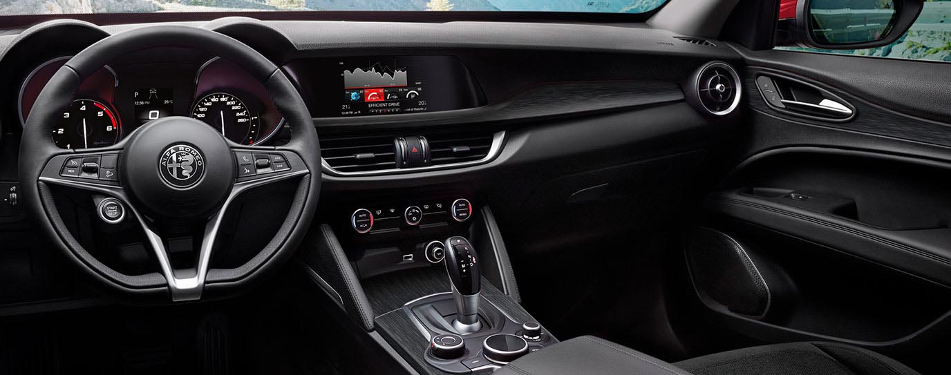 Stelvio Sport, la nueva versión del SUV italiano