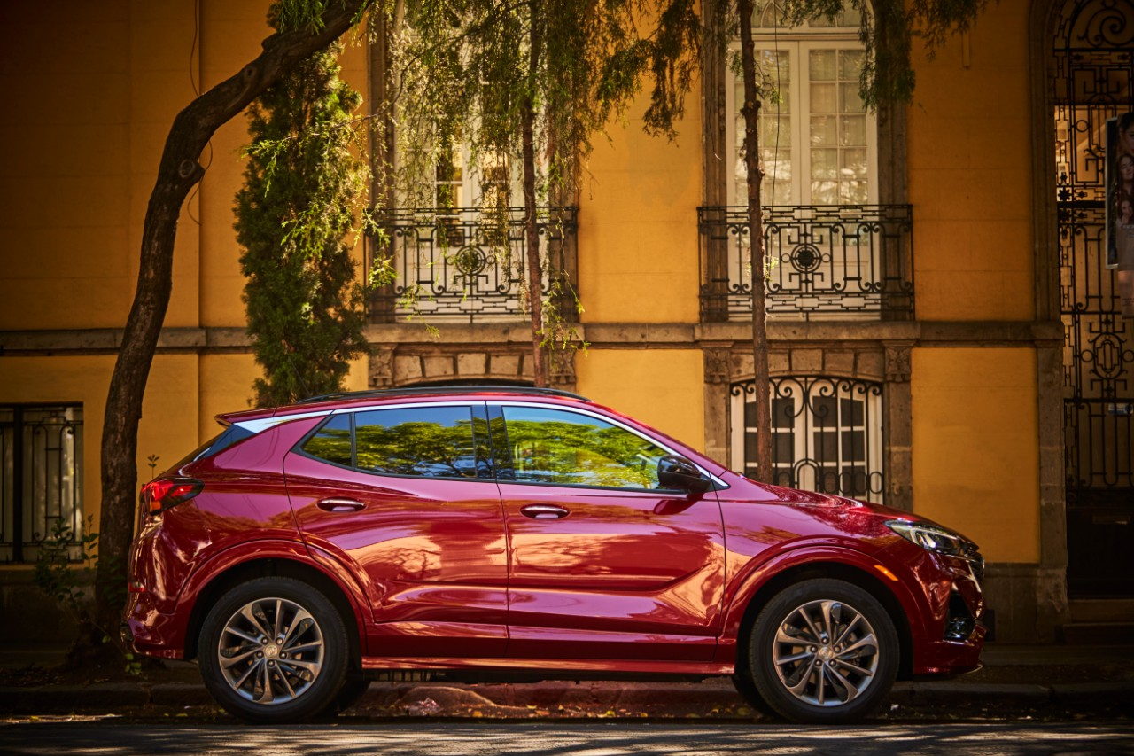 buick encore GX 2020 lateral
