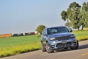 Jeep Grand Cherokee SRT 2020 Blue Edition es poderosa y elegante